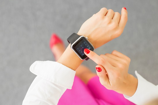 Feature Loaded Smartwatch to Choose Under 3000